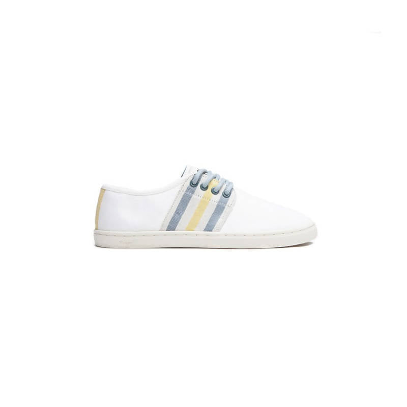 Vegan low-top sneakers in white with blue and yellow details