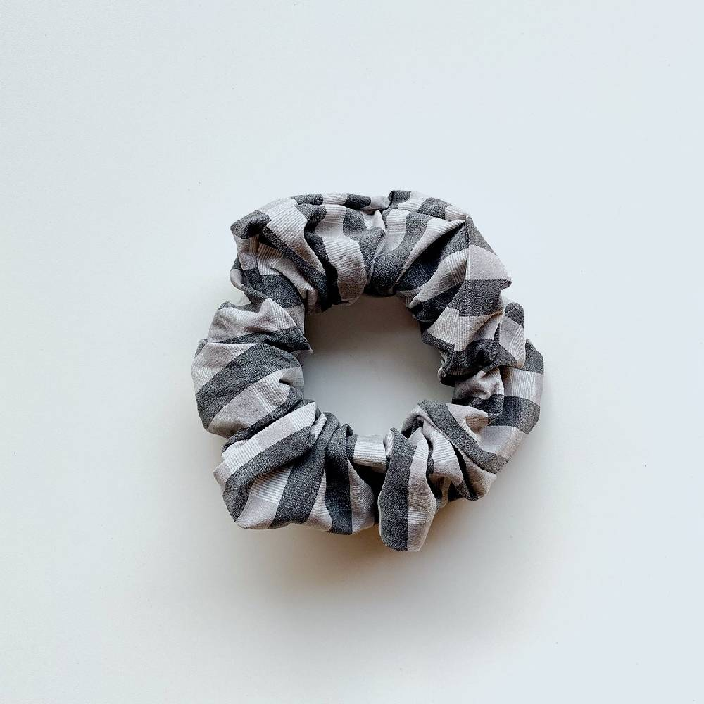 Gingham Scrunchie in Econyl