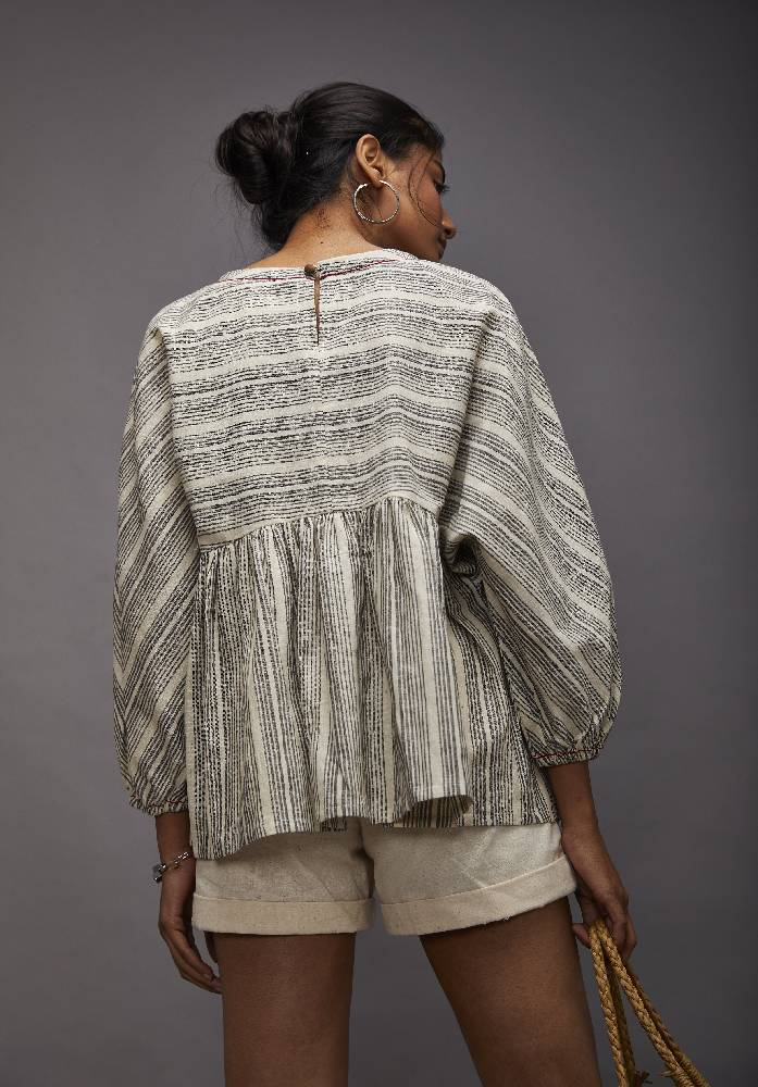 Comfort fit, poncho top - Grey stripes