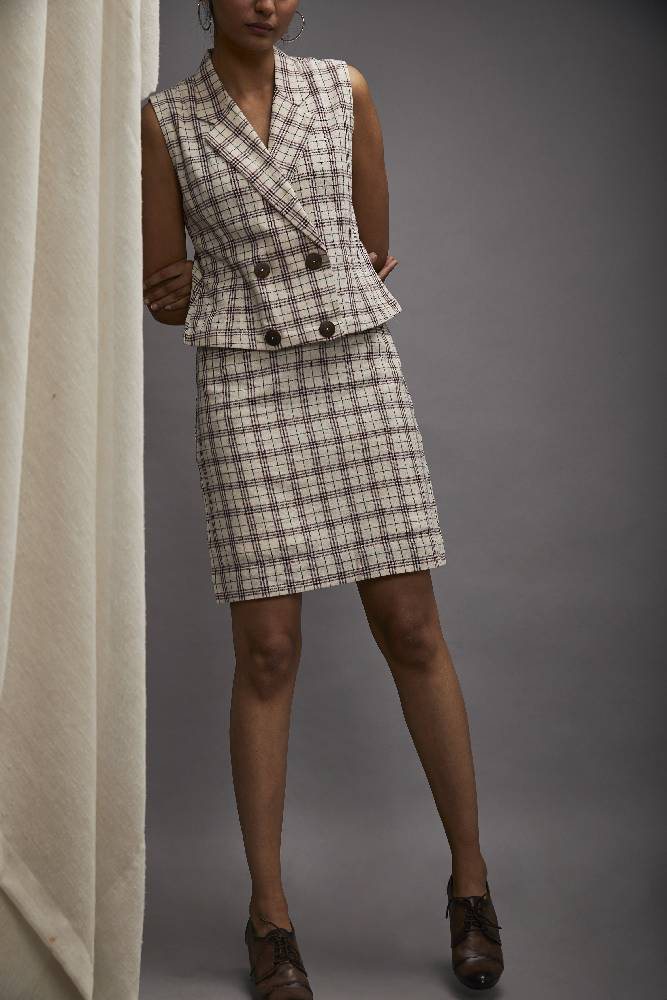 Classic knee length pencil skirt - Maroon and black checks
