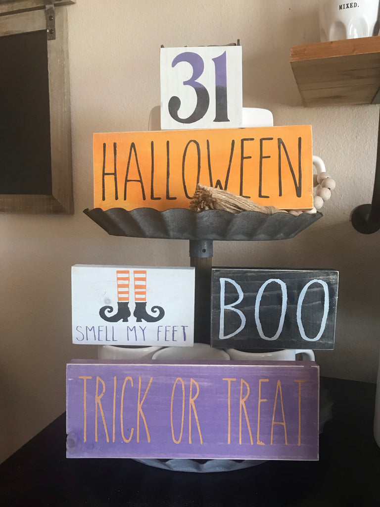 Halloween shelf sotters