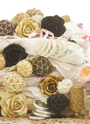 B & B Floral Finials / Romantic Collection