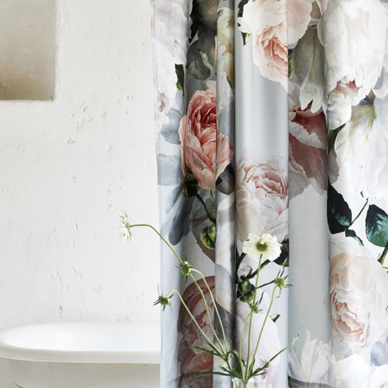 Peonia Grande Shower Curtain