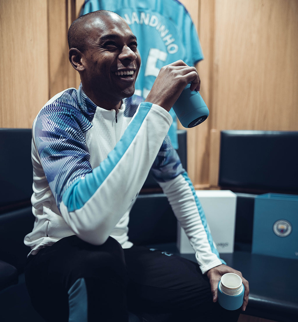 Fernandinho taking a break with his Cityzen Blue Vejo