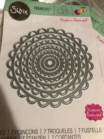 SIZZIX SCALLOPED CIRCLES STEPHANIE BARNARD DIE SET