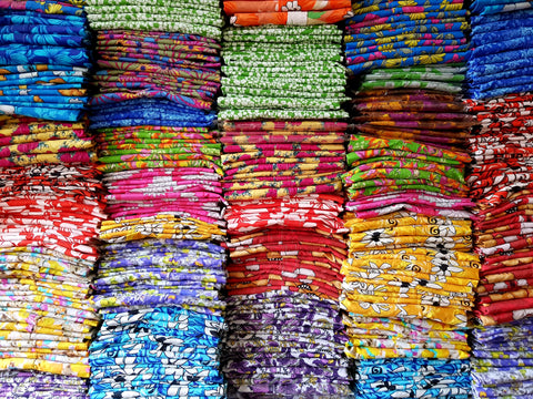 Bent Banani - Awesome 100% Floral Cotton Fabrics Piled High Ready To Be Crafted Into Shirts