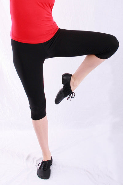 Woman Cotton Blend Capri legging in black by Basic Moves