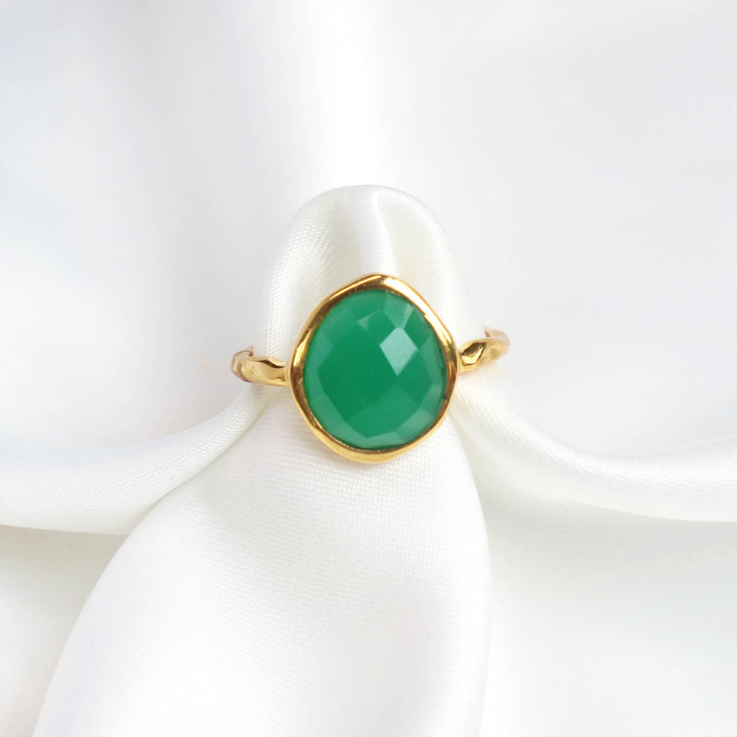 Green onyx gemstone ring with 18k gold-plated hammered band-Rani & Co.