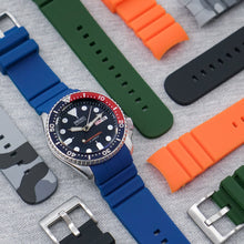 Hale Navy The SKX StrapoFIT Curved End Silicone