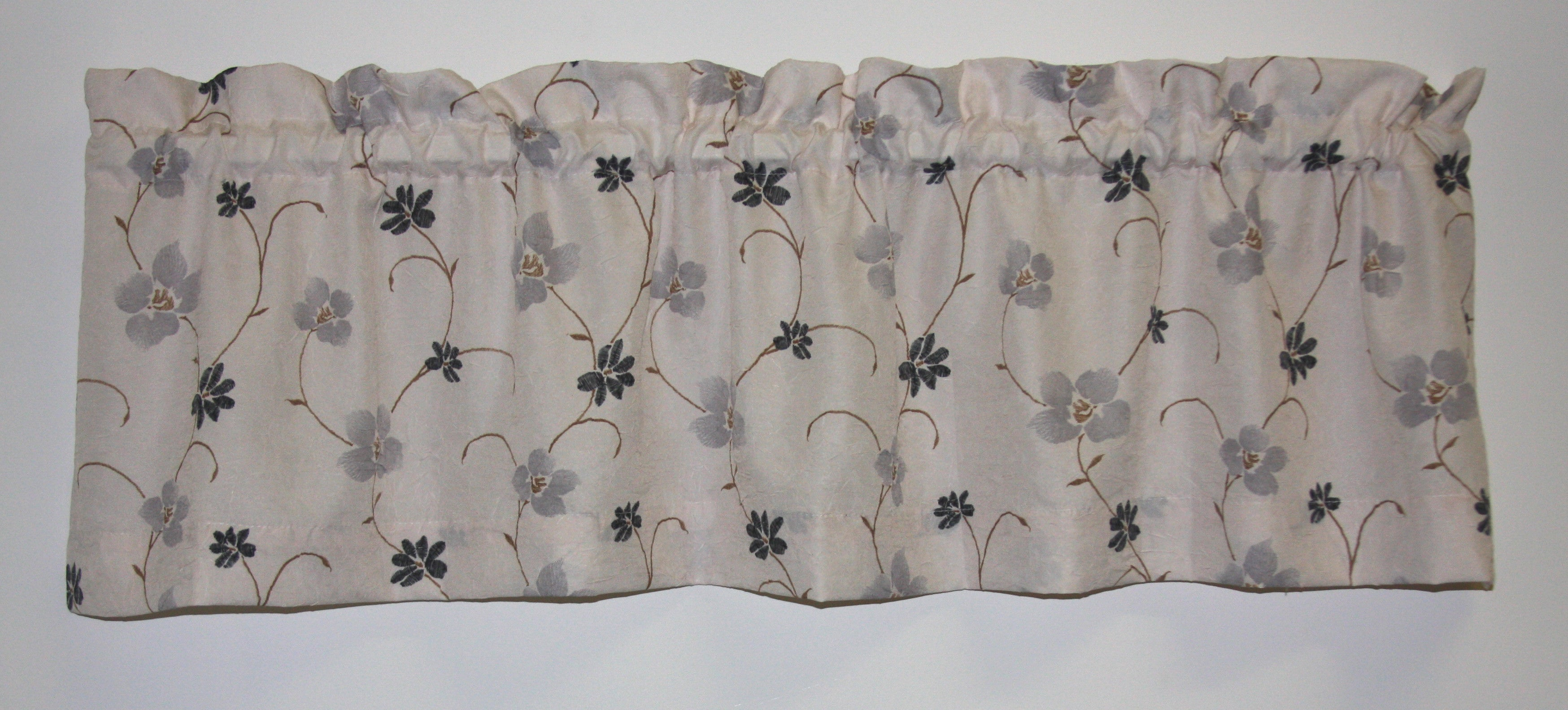 click tailored treament bristol plaid valance p tier pair window to expand