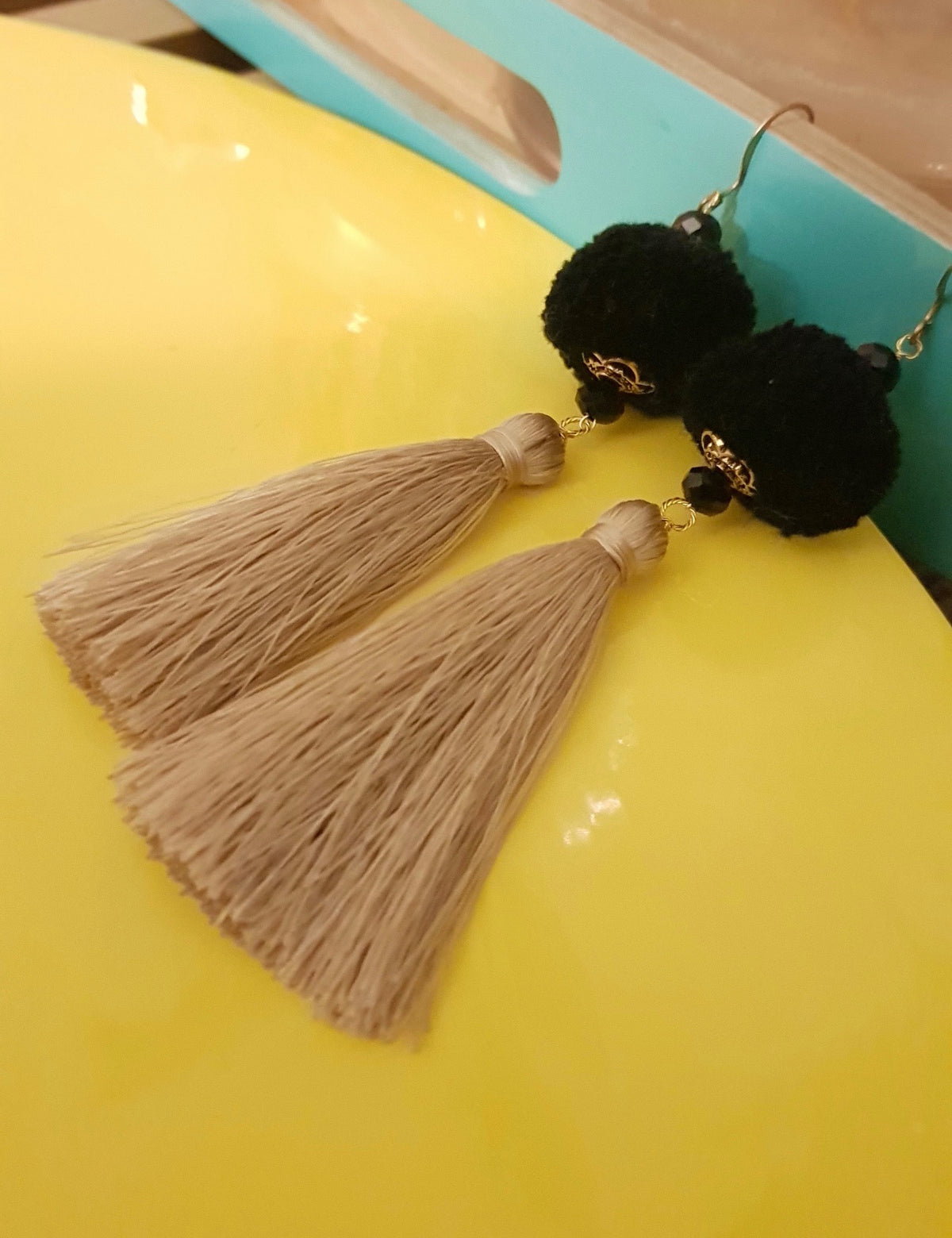 Artini Earrings (Brown Tassel+Black Pom Pom)