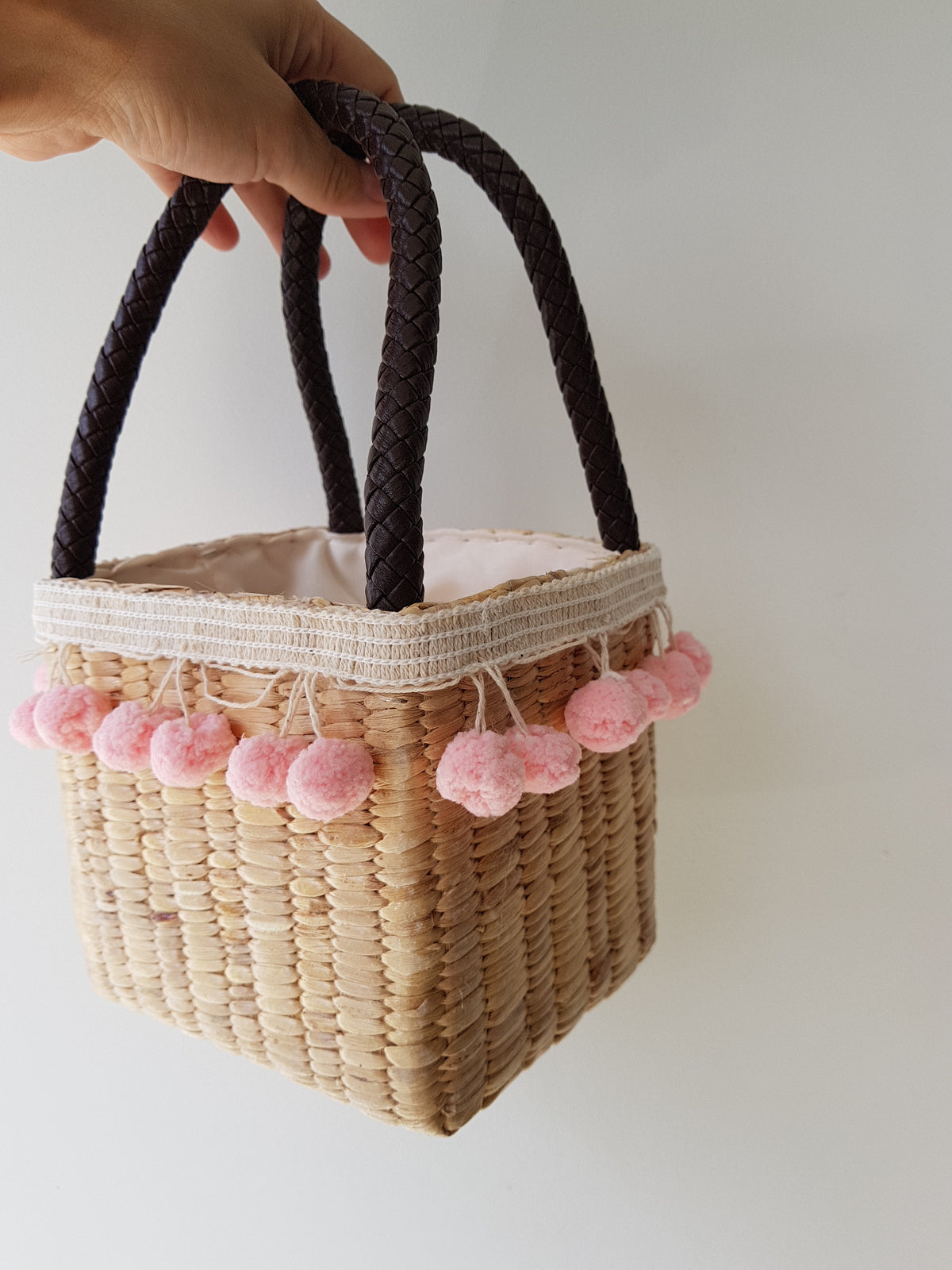 Lovely Pink Pom Pom Straw Bag