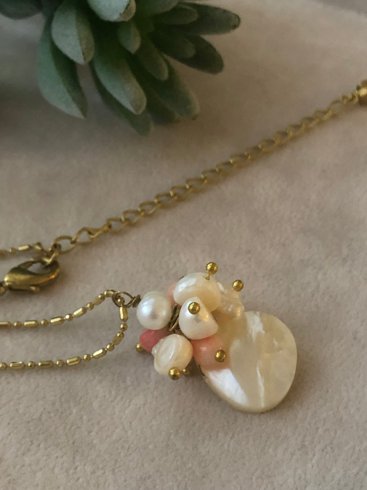 Quin Mother of Pearl Necklace