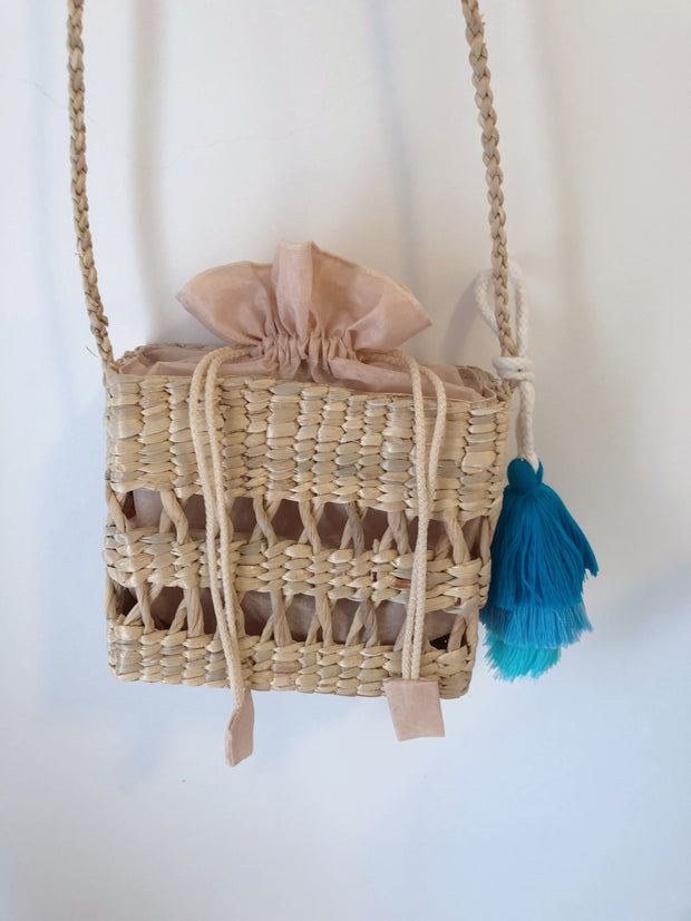 Rinta Straw Bag with Tassel