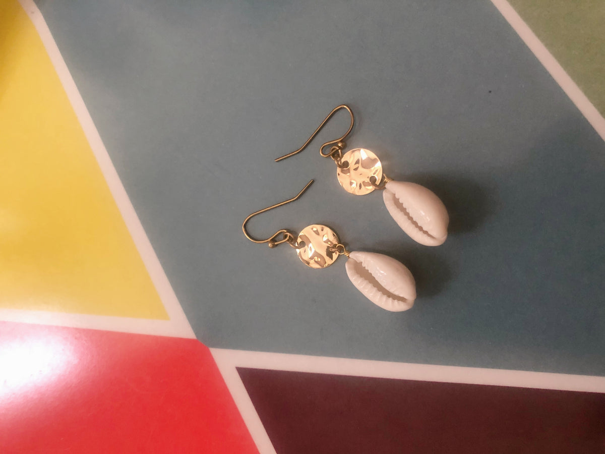 Nitra Shell Earrings
