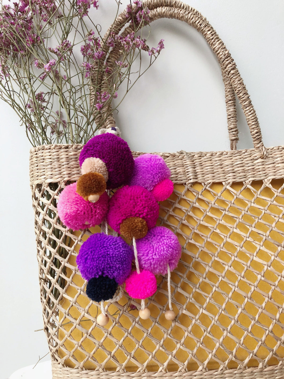 Crayola Multi Coloured Pom Pom Charm (Colour Combi: Pink & Purple Hues)