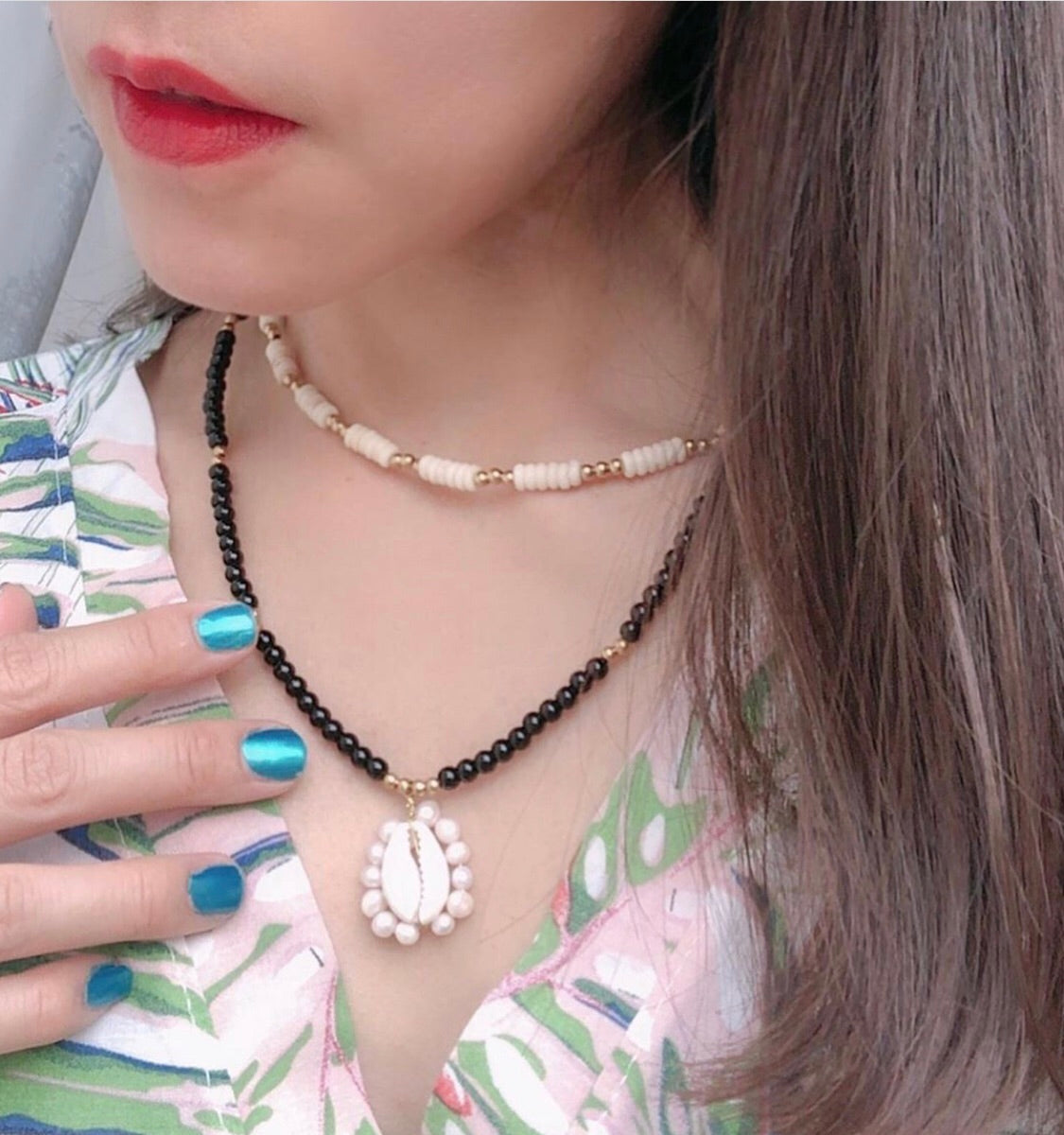 Yang Double Layered Shell Necklace