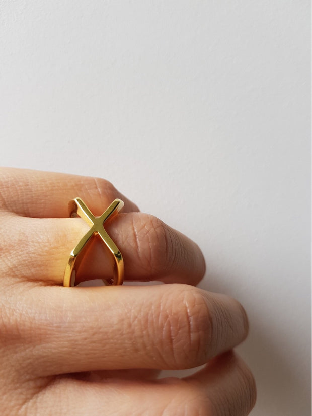 Nina Cross Gold Ring