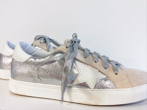 star of the show sneaker