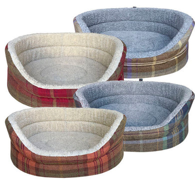 Hem & Boo Country Check oval deep sided dog bed