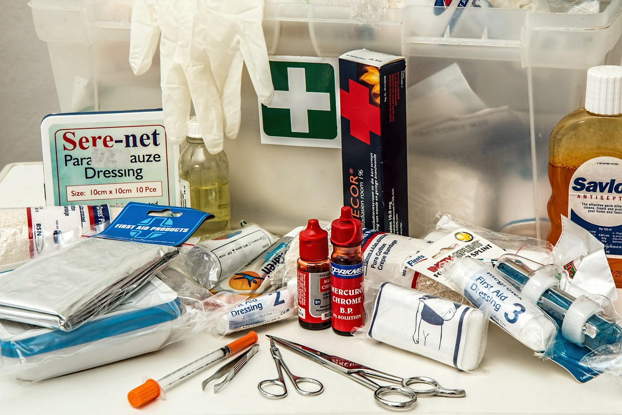 What Should Go into a Survival First Aid Kit?