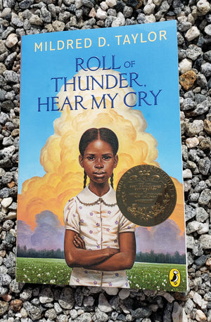 Roll of Thunder, Hear My Cry by Mildred D. Taylor - Soft Cover