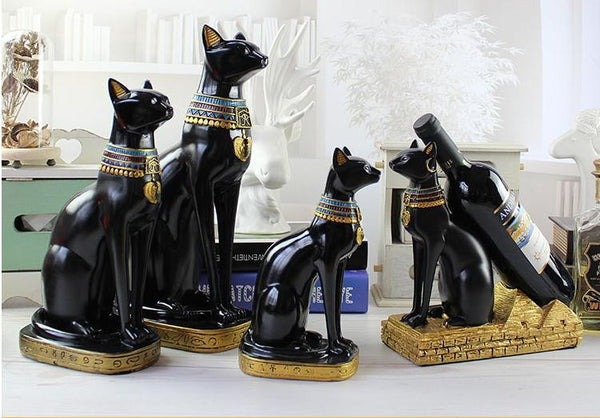 Where's My Purramid? Egyptian Cat Wine Holder