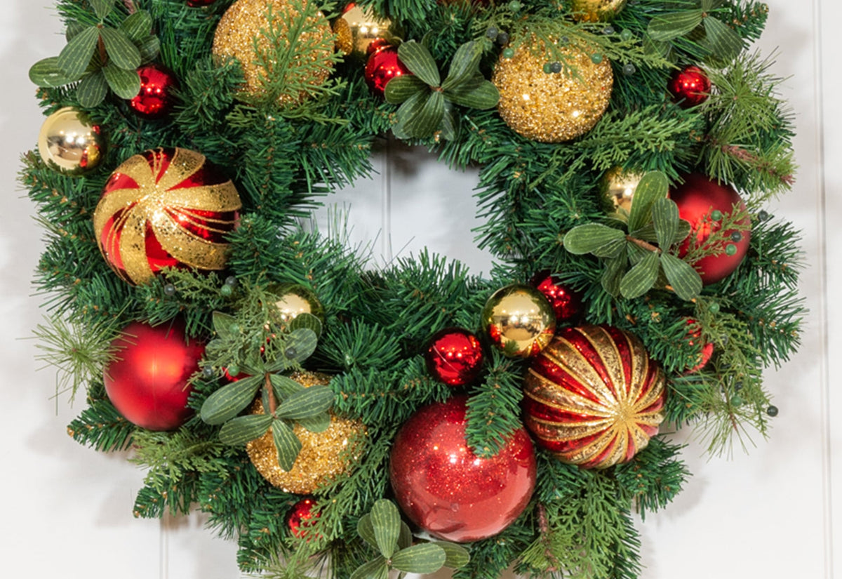 Christmas Classic Red and Gold Wreath - 24