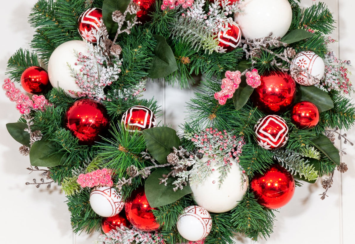 Nordic Red and White Wreath - 24