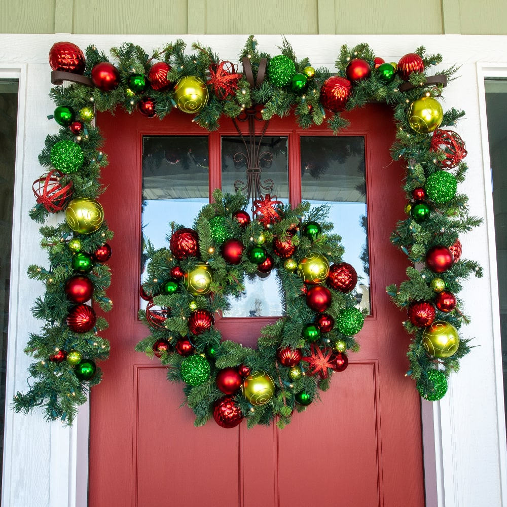 30 Quot Festive Holiday Wreath Pre Lit And Battery Operated
