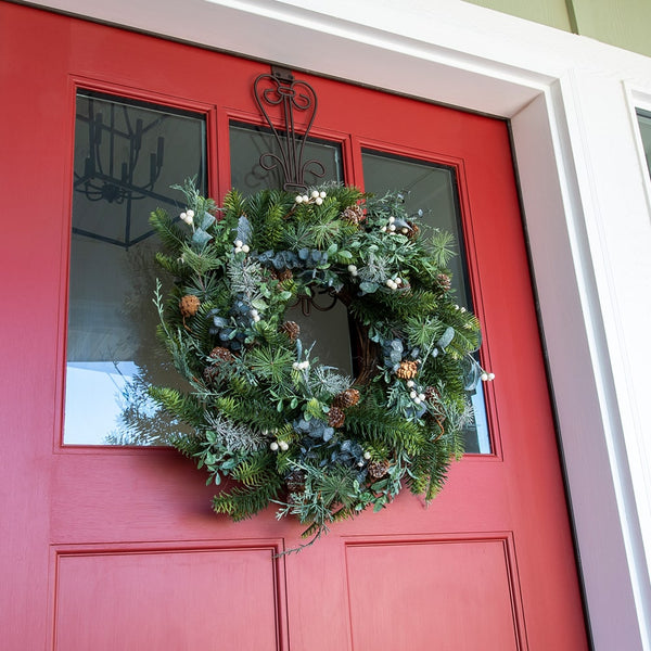 "Rustic White Berry Decorated Wreath 24"" - Village Lighting Company"