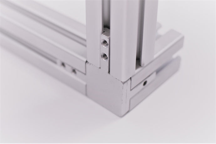 40 Series Corner Bracket 3 way