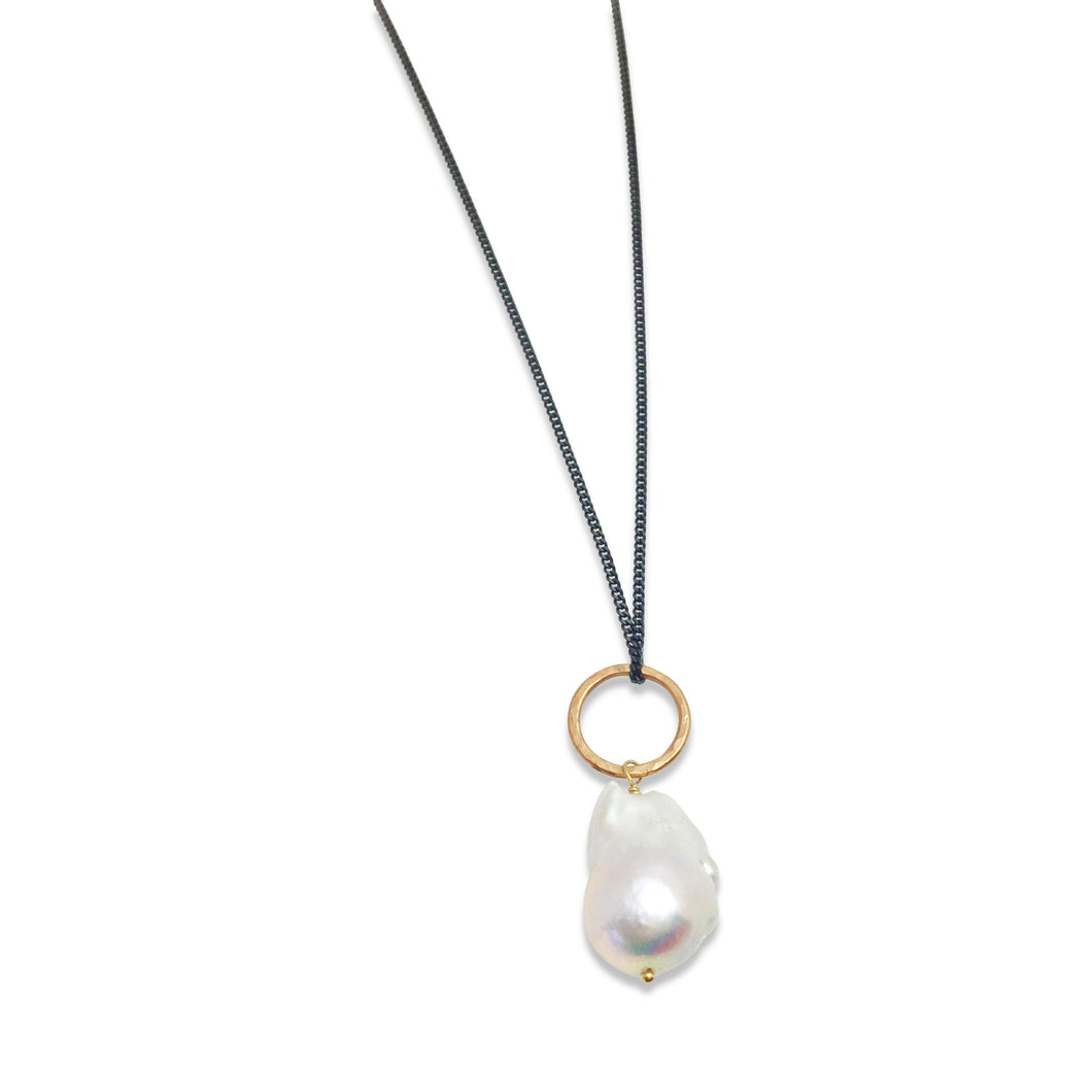 IVORY BAROQUE PEARL PENDANT NECKLACE