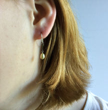 PASTEL PEARL TINY EARRINGS