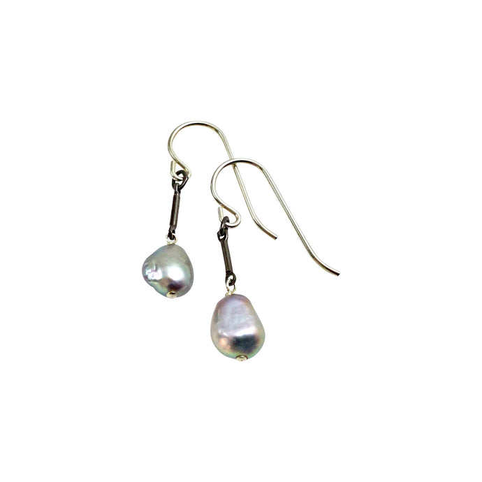 PLATINUM GREY TINY PEARL EARRINGS