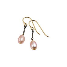 BLUSH PINK PEARL TINY EARRINGS