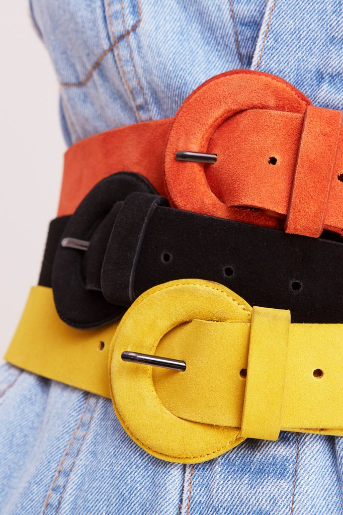 JAGGAR SUEDE BUCKLE BELT - OCHRE - sisterfield