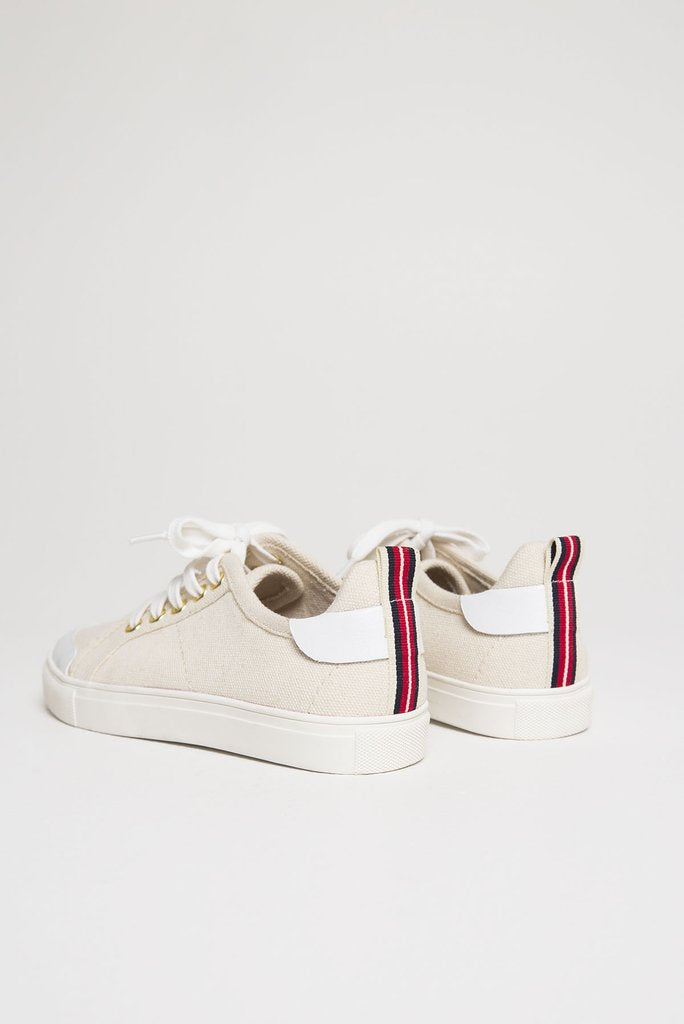 JAGGAR LACE ME UP SNEAKER - OATMEAL - sisterfield