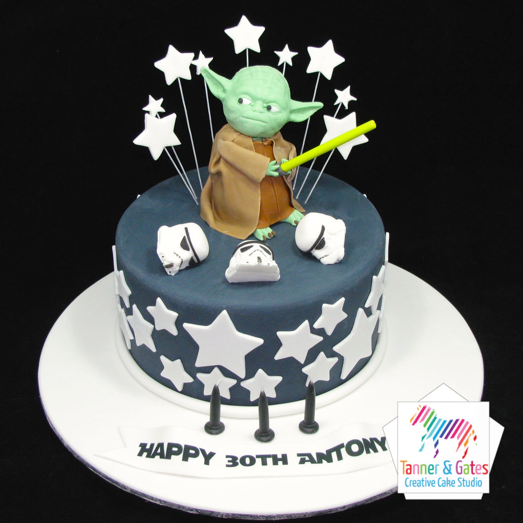 Star Wars - Fighting Yoda Cake