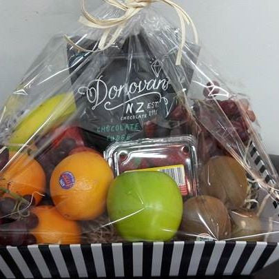 Fresh Fruit & Chocolate Hampers - Lily Jacksons