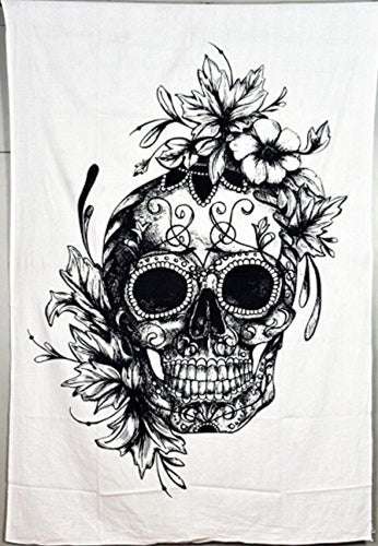 Skull And Flowers Décor Tapestry