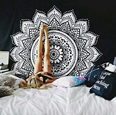 Black & White Mandala Décor Tapestry