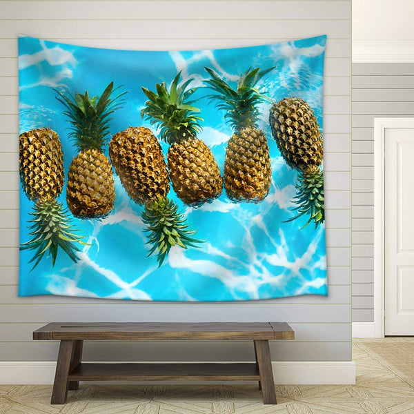 Organic Pineapples Décor Tapestry