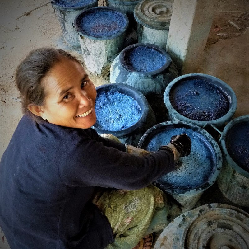 Indigo dye, photo by Saoban