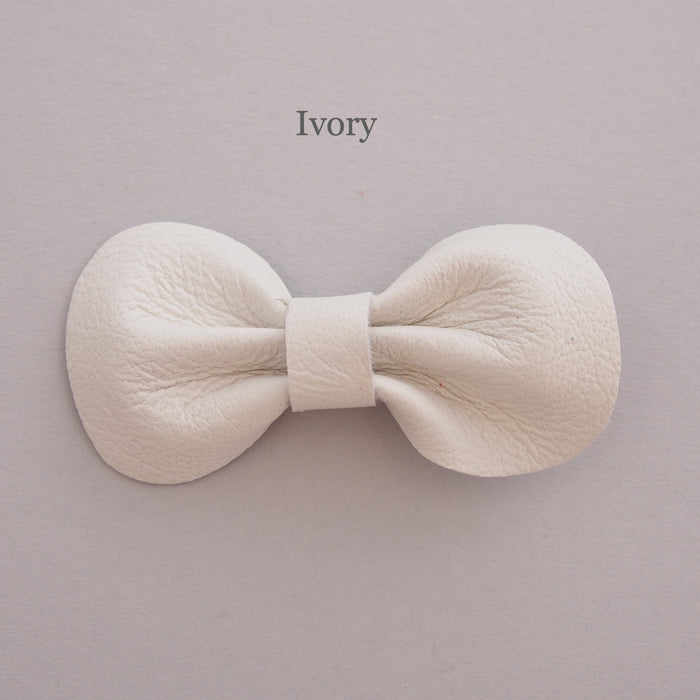 Mini Leather bow hair clip set, ivory hair bow for toddler, pick your own colour bows, ivory bows for babies, bows for toddlers, ivory bows for girls, custom bow hair clip colour, baby bow hair clips, Baby hair clips, Toddler hair clips, ivory leather bows, ivory baby hair clips, ivory hair bows, mini bows in ivory for babies and toddlers