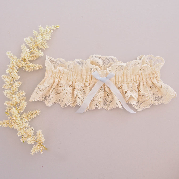 Rebecca Cream Vintage Lace Wedding Garter