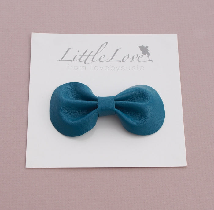 Teal Leather Bow Hair Clip, Little Love Accessories, Genuine leather hair bow in teal green, teal bow for hair, Teal leather bow hair clips, Teal Hair Bow, Little Love Accessories, Girls Hair accessory
