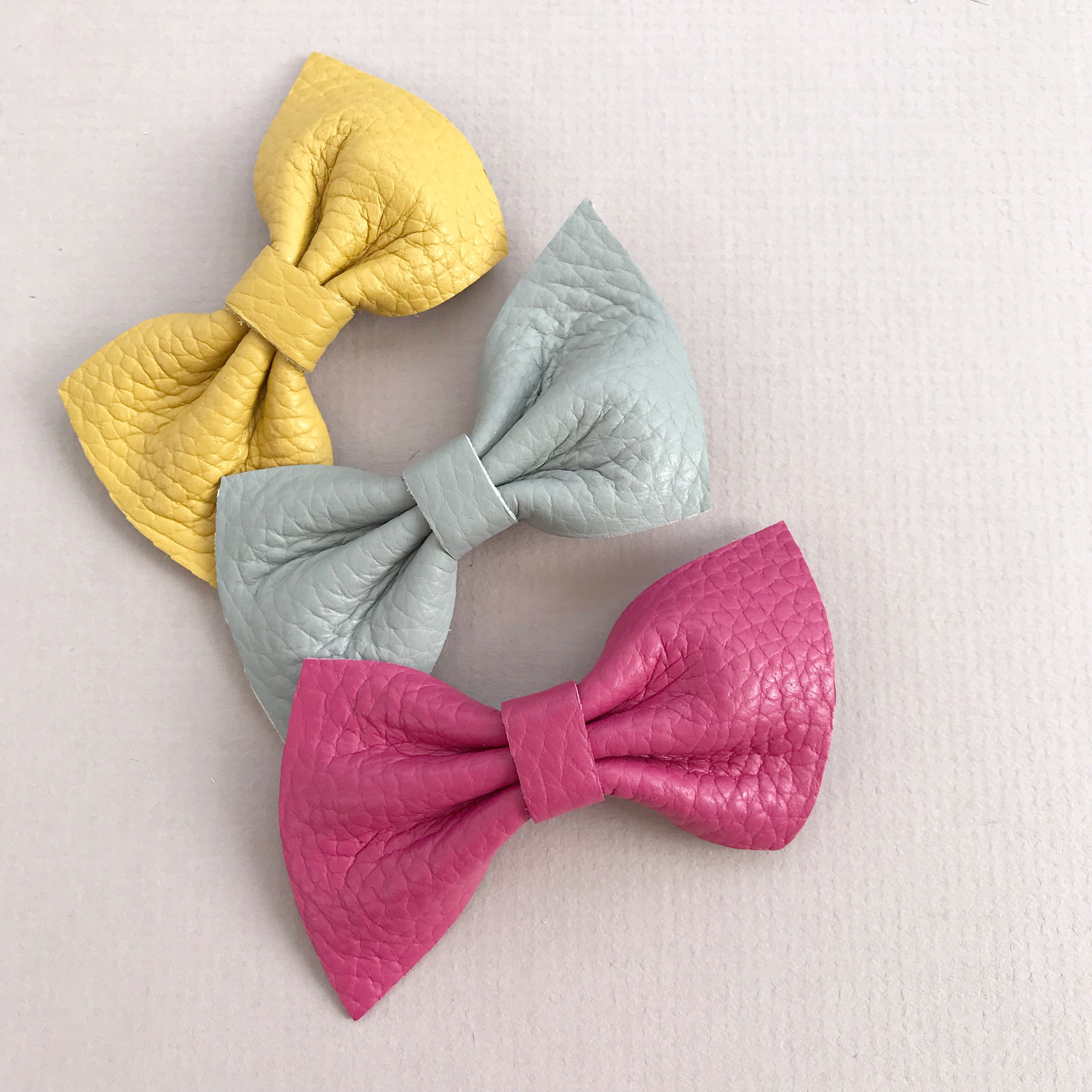 HARLOW PETITE Leather Bow / Colours