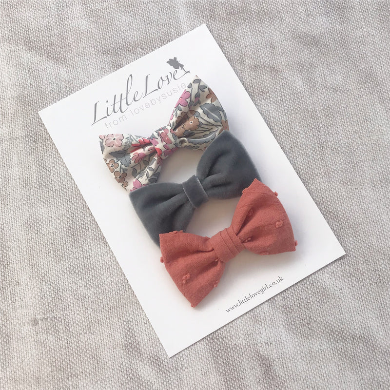 Set of 2 Hand tied Liberty and Cotton hair bow set