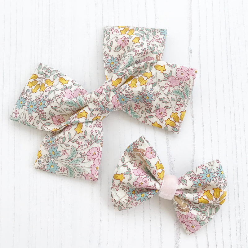 Little Love cotton bow hair clip Wildflower collection for little girls, large floral bow hair clips, floral print hair bows, oversize bow hair clips, linen bow hair clips, cotton floral liberty hair clips, liberty print hair bows, liberty floral print cotton bow hair clip, floral cotton hair bow